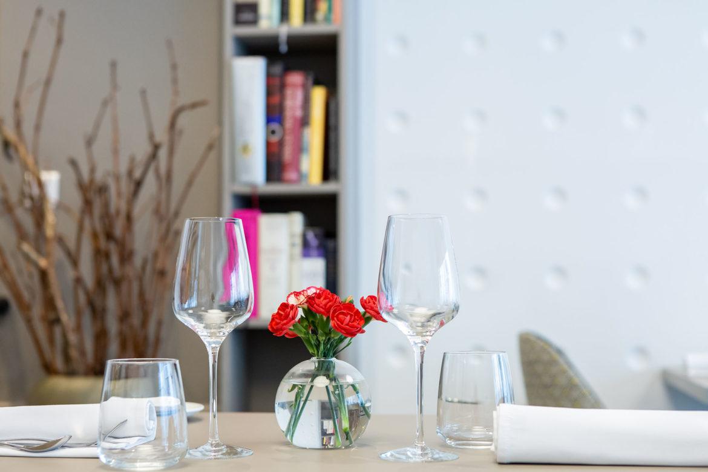 Amaryllis-table.jpg